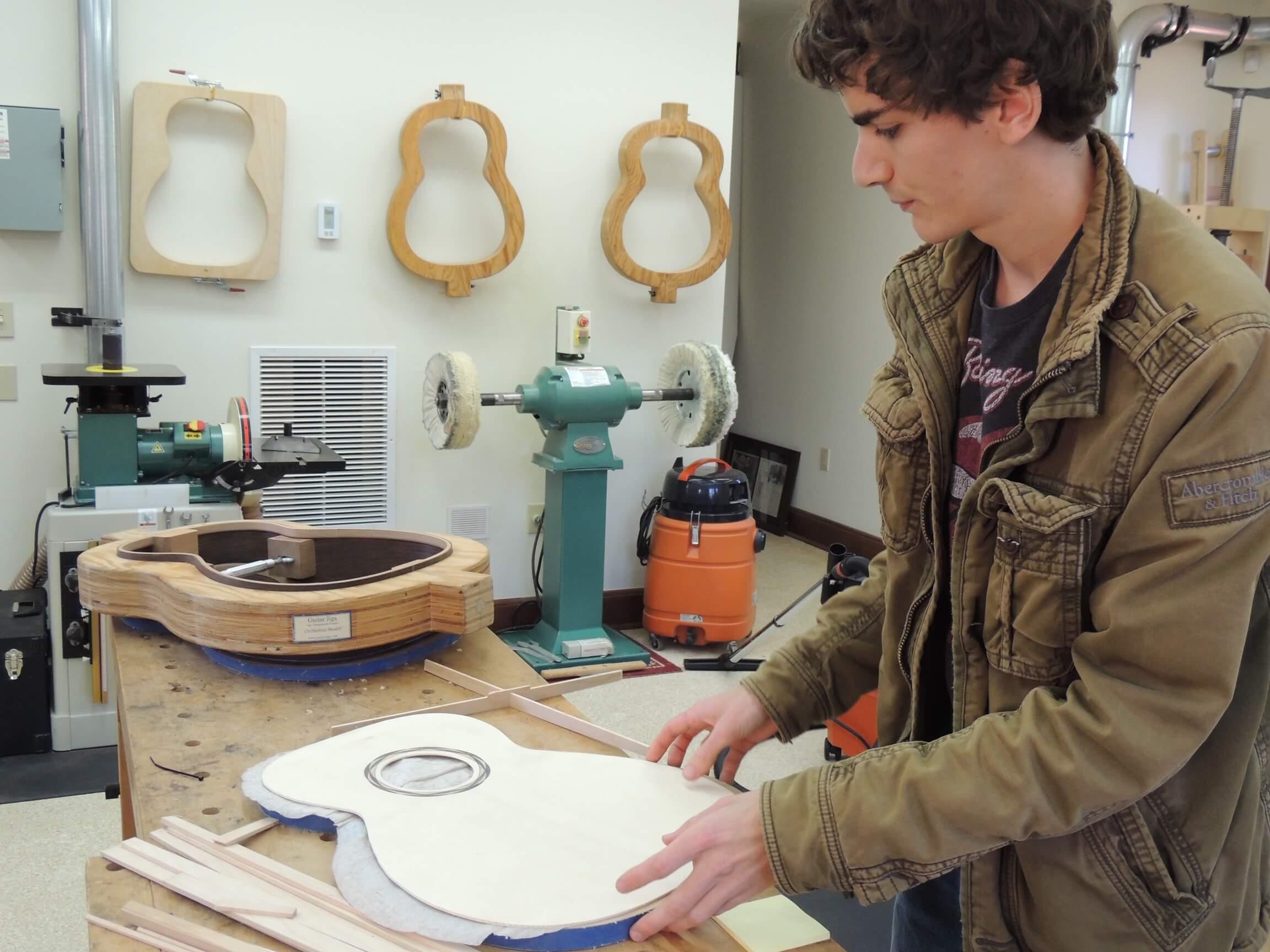 Luthier Sean Bresnan
